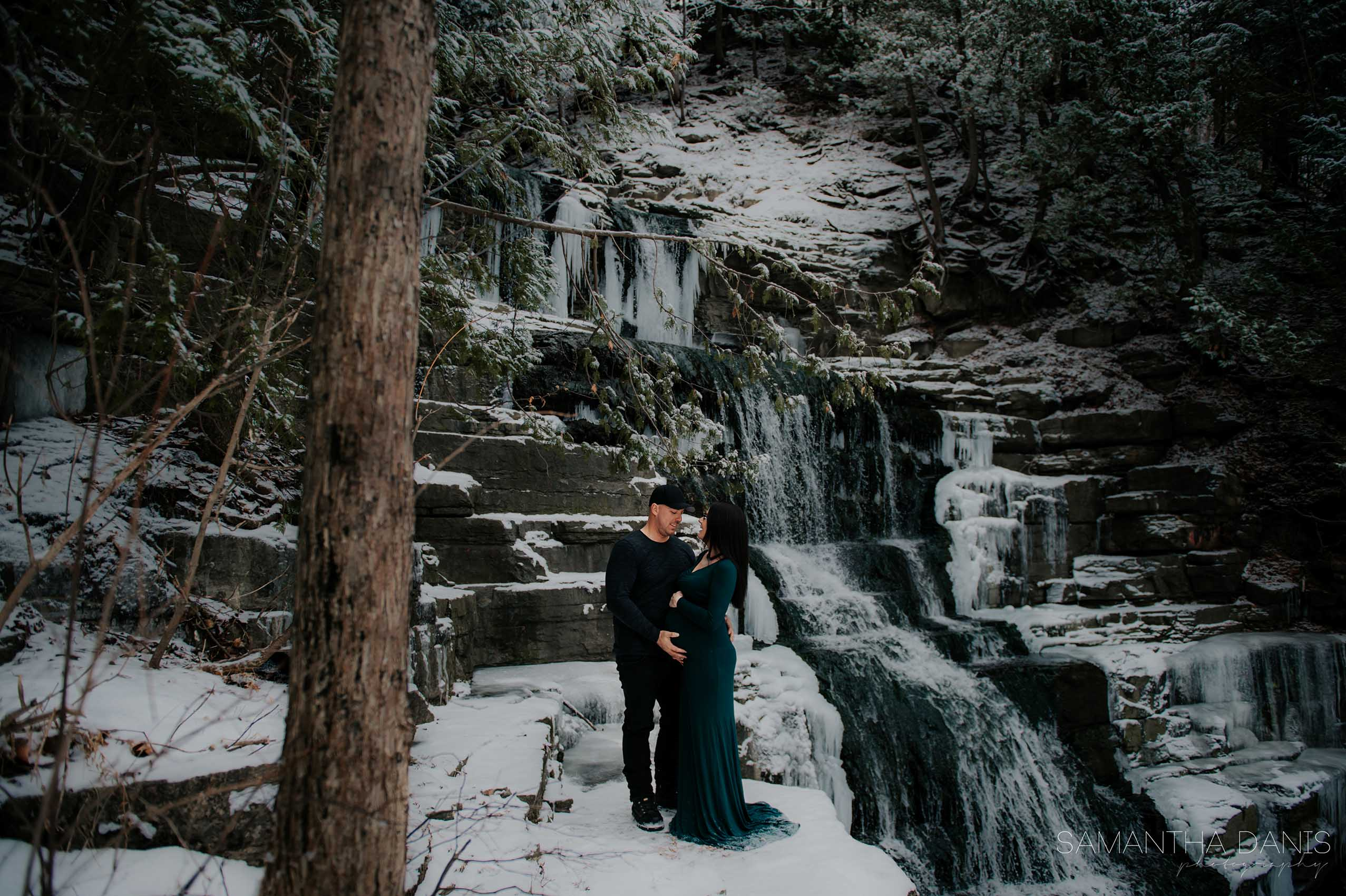 Ottawa Photographer Samantha Danis Photography Maternity Winter Ottawa Wedding