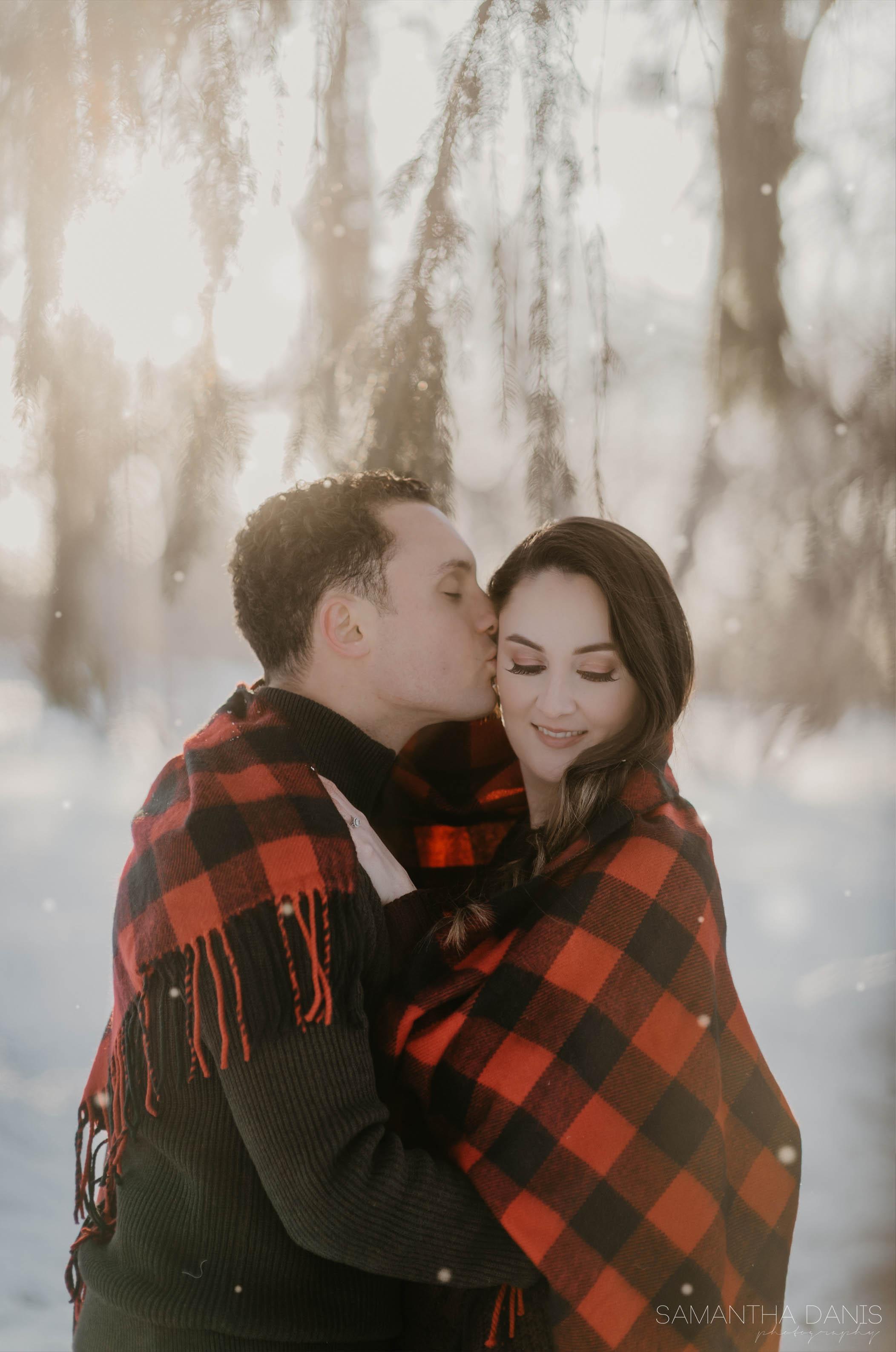 Winter engagement ottawa wedding photographer samantha danis